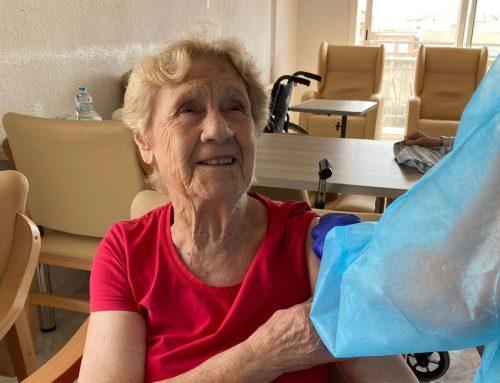 Grupo Mimara empieza a administrar a sus residentes la tercera dosis contra la COVID-19